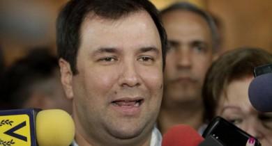 Ivan Gil, hizo de vocero de la junta de centralización económica.