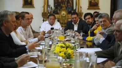 venezuela-mud-dialogo-nuncio-unasur
