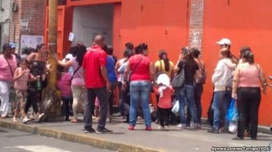 venezuela-aniversario-colas
