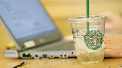 Astarbucks-demanda-exceso, hielo