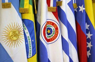 Mercosur cumple 25 aÒos. Banderas de los paises integrantes del Mercosur. gf